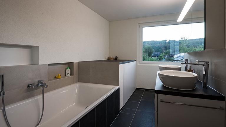 Fußbodenplatten Bad ~ Keramikplatten und fliesen für treppen küche bad